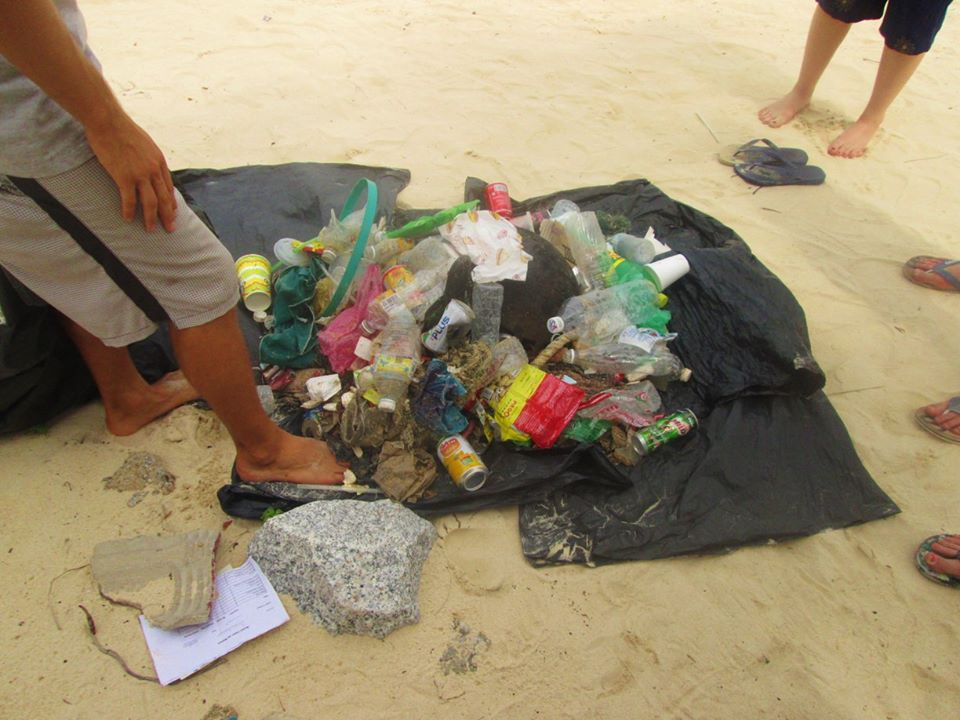 A small amount of the rubbish we collected from one of the beaches