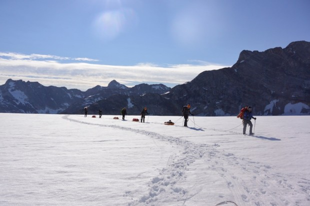 Walking with the sledges to our next camp